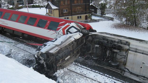 Der Fahrer des Lieferwagens blieb beim Unfall unverletzt.