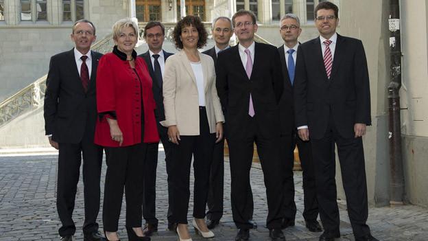 Die Berner Regierung verzichtet vorläufig auf Nebeneinkünfte.
