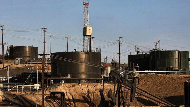 Grossrat wünscht keine amerikanischen Zustände, wo vielerorts nach fosssilen Energien in grossen Tiefen gesucht wird.