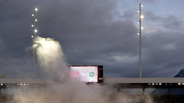 Sicherheitskosten rund um die Spiele des FC Thun: Der Verein wird mehr zur Kasse gebeten als vorher.