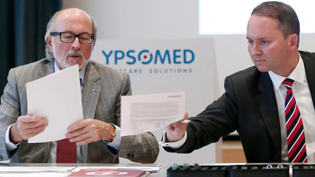 Generationenwechsel bei Ypsomed: Vater Willy Michel und Sohn Simon Michel, der neue CEO ab Mitte 2014.