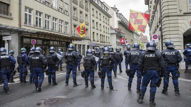 Grosseinsatz für die Polizei am Cupfinaltag: Der Verband zahlt mit.