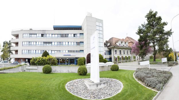 Teile des Spitals Aarberg werden in den nächsten Jahren saniert.