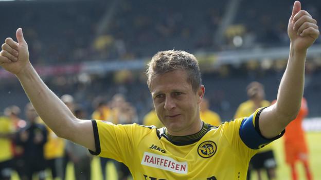 Eine Verabschiedung unter Tränen: Christoph Spycher beim letzten Spiel für YB am Sonntag.
