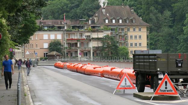 Die Sperren waren errichtet - das Hochwasser kam nicht.