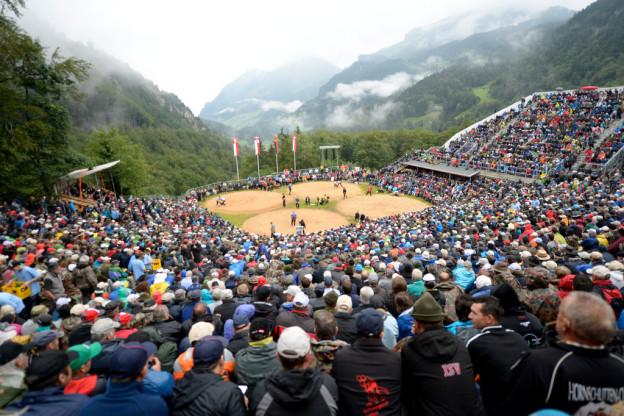 Blick in die Schwing-Arena auf dem Brünig.