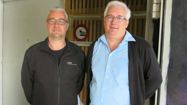 Urs Kallen (links) und Daniel Rudin vor der Zivilschutzanlage in Burgdorf.