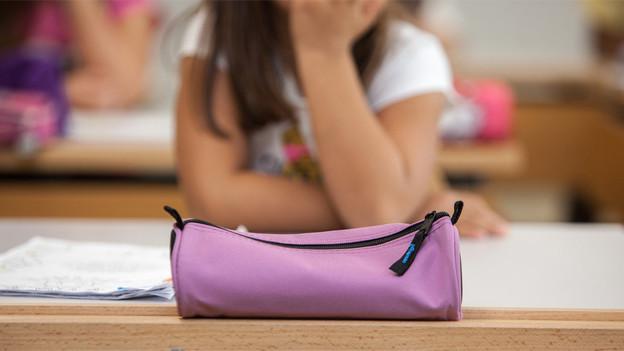 Im Wallis steht die Schule unter finanziellem Druck.