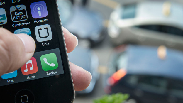 In Zürich und Genf gibt es bereits einen Fahrdienst von Uber-Taxis.