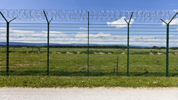 Zweimal 60 Gefängnisplätze - damit will Freiburg Platz für die eigenen Gefangenen schaffen. Und dazu Geld verdienen.