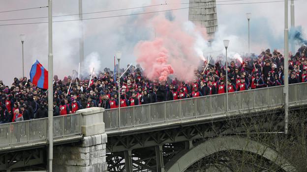 In schlechter Erinnerung: Basler Fans vor dem Cupspiel am Ostermontag.