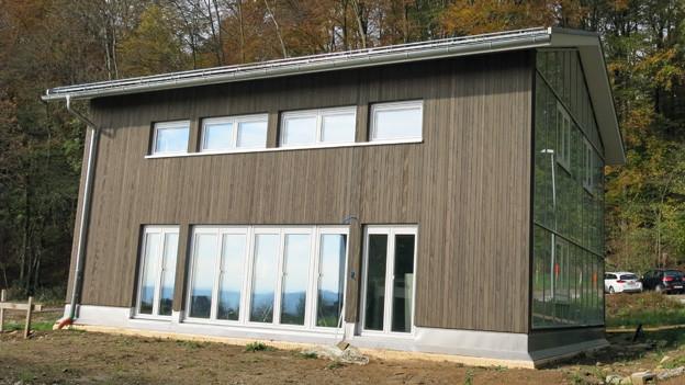 Eines der Plusenergiehäuser in Oberbipp.