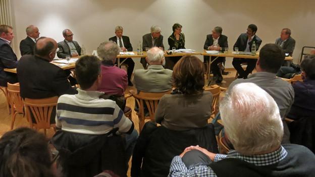 Die Agglomeration Freiburg muss grösser gedacht werden, so der Tenor des Podiums