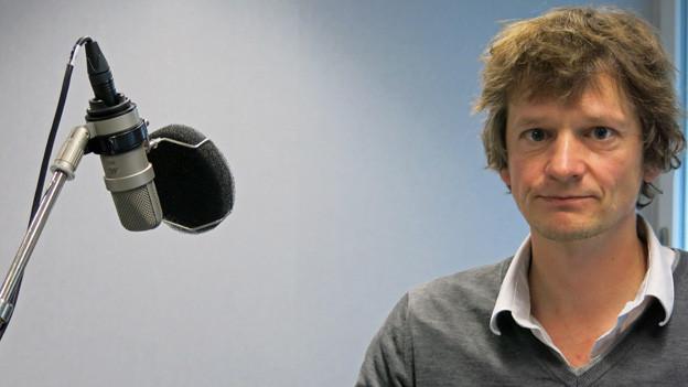 Christoph Simon braucht das Publikum, schreibt aber lieber im stillen Kämmerchen.