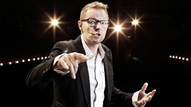 Bänz Friedli: Der Satiriker, der auch gerne auf der Bühne steht, erhält den Salzburger Stier.