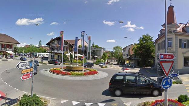 Das Zentrum in Lyss mit der Kantonsstrasse: Tempo 30 soll die Hauptverkehrsachse sicherer machen.
