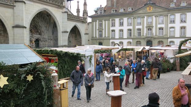 Beliebter Weihnachtsmarkt beim Berner Münster - nur wegen dem Glühwein?