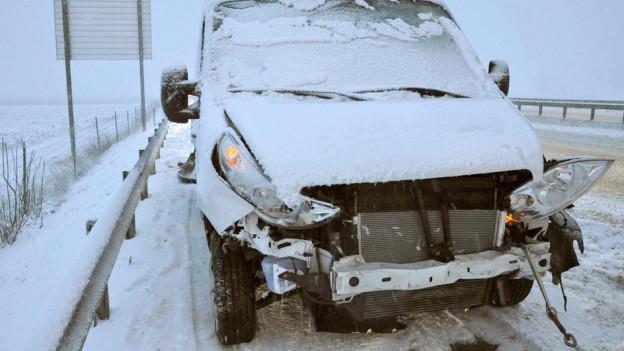 Auch auf der Autobahn - hier auf der A1 bei Solothurn - gab es zahlreiche Unfälle.
