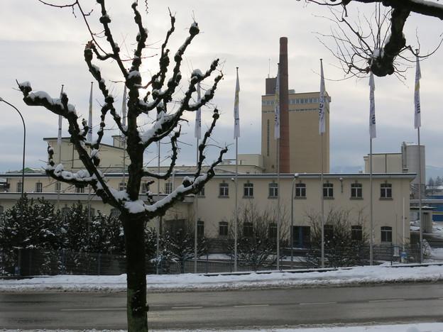 Von vorne ist vom modernen Unternehmenspark noch nicht viel zu sehen