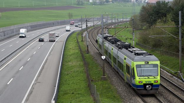 Die Pendler im Kanton Bern sollen mehr Fahrkosten abziehen dürfen