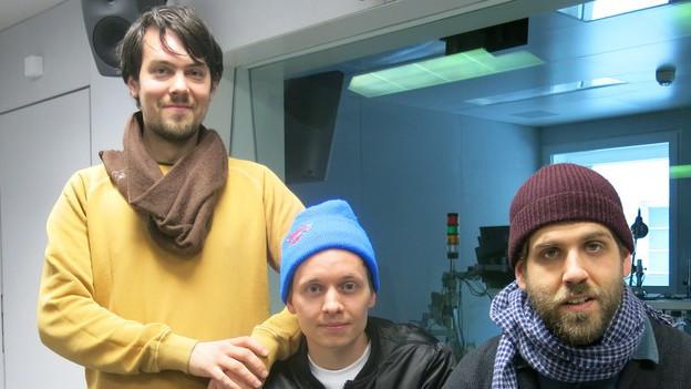 Demian Jakob, Philippe Gertsch und Michael Egger von Jeans for Jesus im Radiostudio Bern. Marcel Kägi war im Ausland.