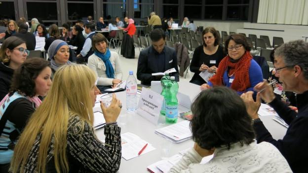 Mitarbeitende der Berner Stadtverwaltung haben die interessierten Migrantinnen informiert.