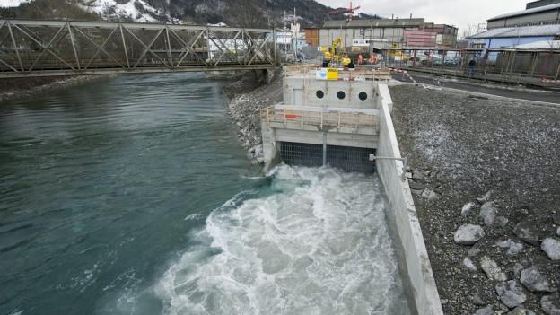 Der Hochwasserstollen während der Testphase nach dem Bau im März 2009.