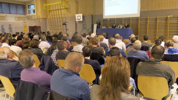 Ein Informationsabend zur geplanten Fusion zog zahlreiche Bürgerinnen und Bürger an.