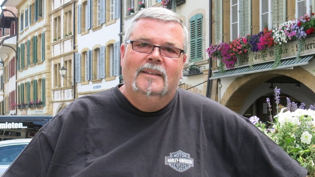 Alt-Stadtschreiber Urs Höchner in der Murtner Altstadt