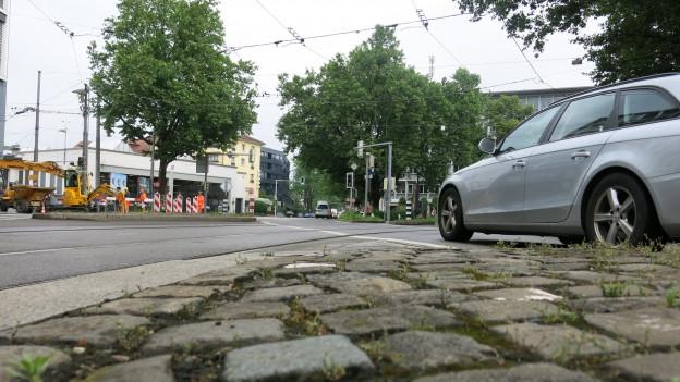 Aus dem Strassenschlauch Eigerplatz in Bern soll ein richtiger Platz werden.
