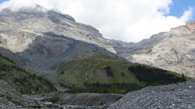 Die Felsen im Bergsturzgebiet sind ständig in Bewegung.