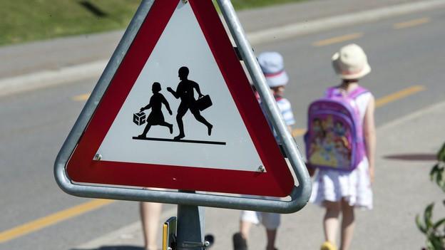 «Rad steht - Kind steht» heisst die Kampagne zum Schulanfang.