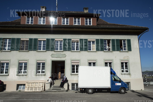Vom Schulhaus zum Asylzentrum. Künftig sollen in Hasle die Bürger bei Vermietungen von Liegenschaften mitreden dürfen.