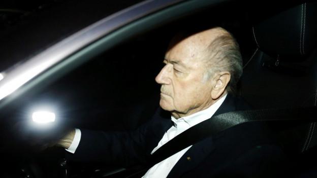 FIFA-Präsident Sepp Blatter im Auto.