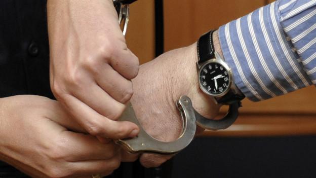 Wer auf der Watchlist steht, muss sich für Haftlockerungen oft gedulden.