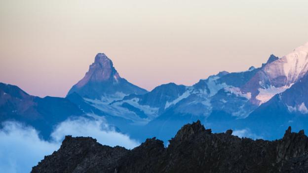 Das Matterhorn und das Eggishorn (im Vordergrund) können künftig nicht mit mehr Geld vermarktet werden.