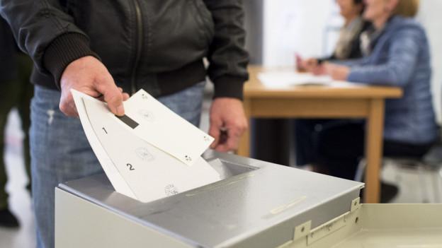 Dick ist das Abstimmungscouvert in der Stadt Bern dieses Wochenende.
