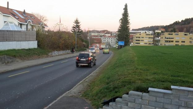 Der Kanton Freiburg will 120 Strassenkilometer mit Flüsterbelag ausstatten.