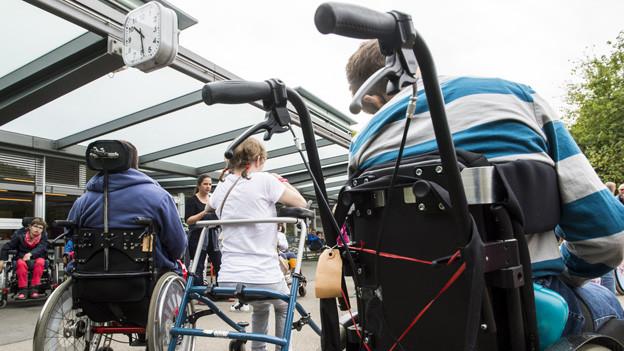 Ab Januar 2016 kaufen Behinderte Betreuungsleistungen ein.