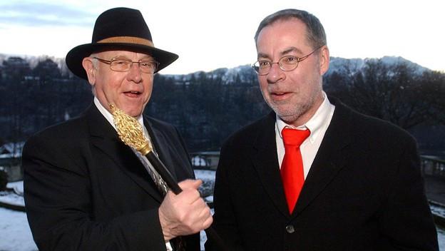 Klaus Baumgartner (l.) übergibt Alexander Tschäppät das Zepter in der Stadt Bern.
