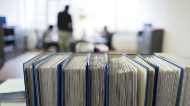 Die Verwaltung einer Gemeinde ist mit viel Arbeit verbunden, die auch qualifiziertes Personal benötigt.