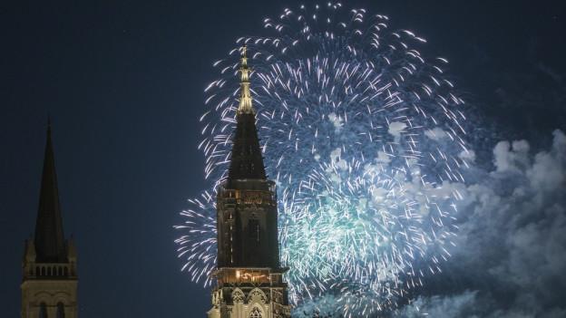 Vor dem Feuerwerk in der Silvesternacht schauen wir zurück.