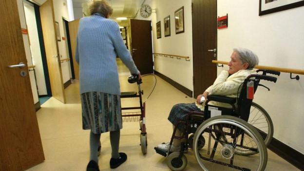 Pflegefachleute wandern im Umgang mit demenzkranken Patienten oft auf einem schmalen Grat: