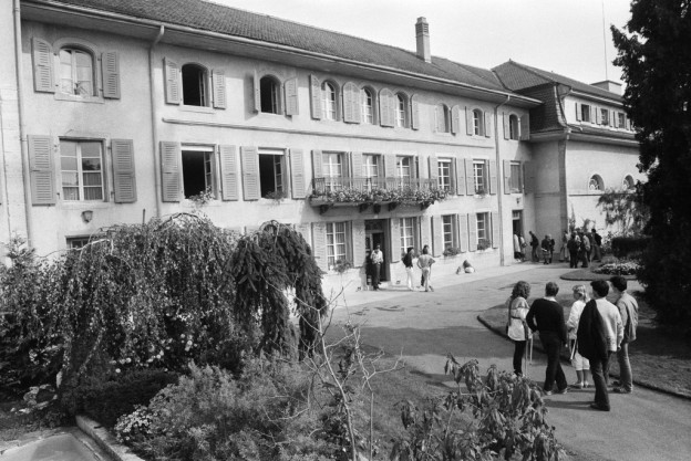 Mindestens 21 Schüler des katholischen Pensionats Marini im Kanton Freiburg wurden zwischen 1929 und 1955 Opfer von Misshandlungen.