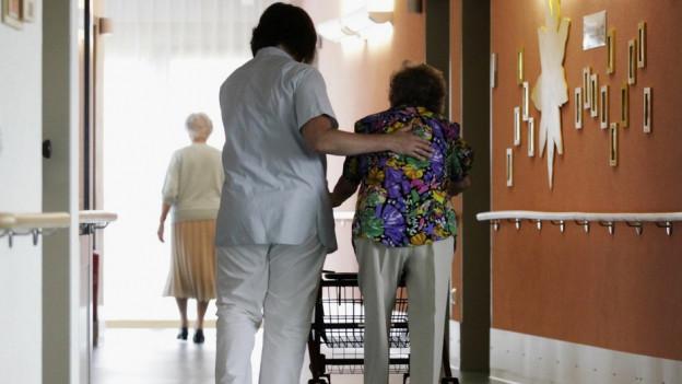 «Patienten merken sofort, wenn wir Stress haben», sagt Franziska Schranz vom Altersheim Reichenbach.