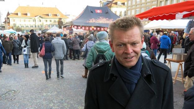 Reto Nause - hier am Zibelemärit 2015 - möchte Sicherheitsdirektor der Stadt Bern bleiben.