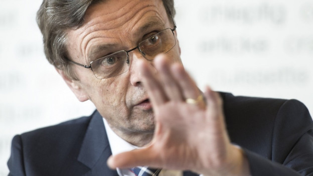 Hans-Jürg Käser sucht gleich vier neue Kadermitarbeiter.
