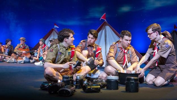 Eugen im Jahr 2016: Eugen (links) mit seinen Freunden nun auch auf der Musicalbühne.
