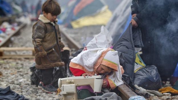 Fluchterlebnisse müssen in der Schweiz therapiert werden: Flüchtlinge in Griechenland.