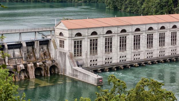 Regierungsrätin Barbara Egger: «Das Wasserkraftwerk Mühleberg bezahlt jährlich rund 2,7 Millionen Franken Wasserzinsen.»